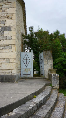 Entrée du cimetière de Lascabanes
