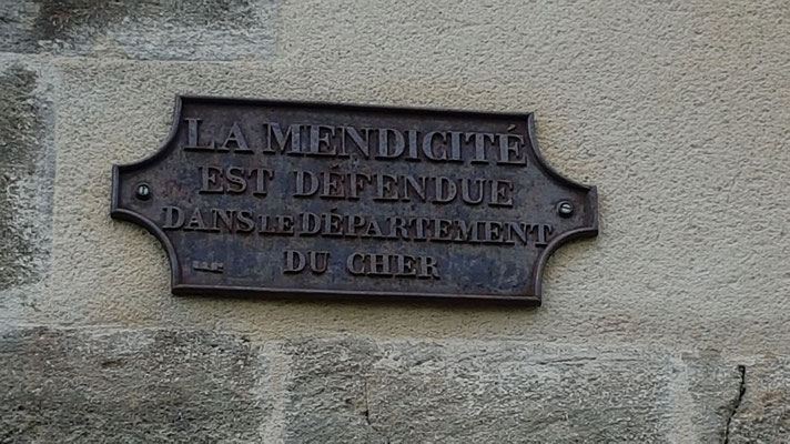 Plaque sur l'église d'Ardenais
