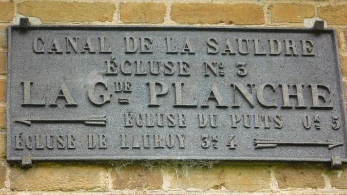 06-05-2012 - Canal de la Sauldre - Plaque d'écluse