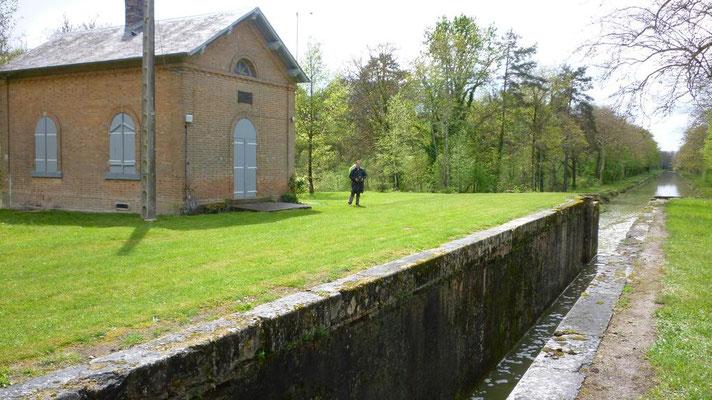 06-05-2012 - Canal de la Sauldre - Ecluse