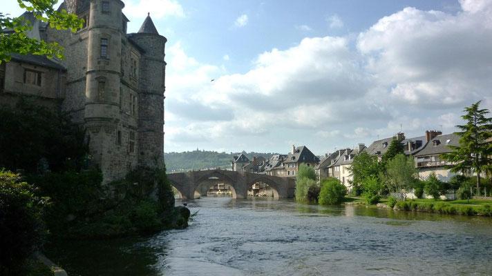 Espalion le chateau-vieux et le pont-vieux