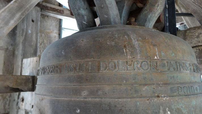 St Pierre - La cloche de l'église