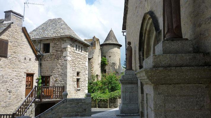 Senergues - L'église
