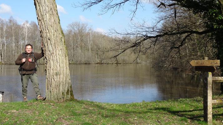 Thierry devant l'étang du Briou