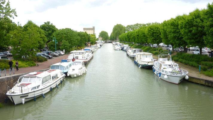 Le canal de Garonne dans Moissac