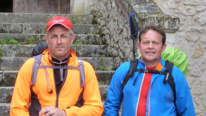 Thierry et Philippe devant la capelle du Carmel
