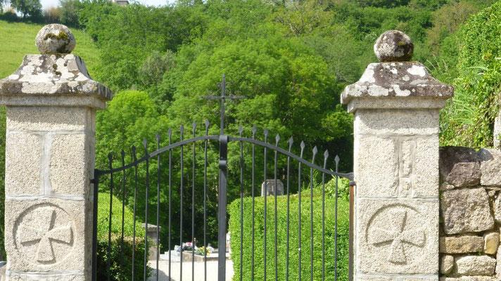 Espeyrac - L'entrée du cimetière