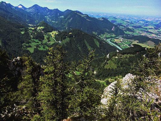 Blick von der Hohen Dirn auf das Ennstal bei Ternberg und ins Voralpenland