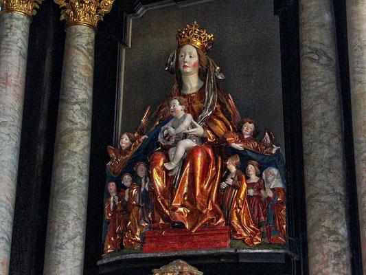 Schutzmantelmadonna. Entstanden zwischen 1510 und 1515.