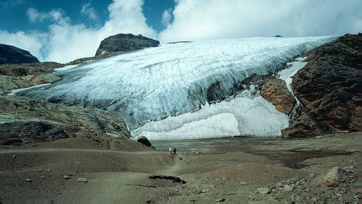 Der Wasserfallwinkel. Ab hier führte damals der Weg zur Oberlwalderhütte auf dem Gletscher