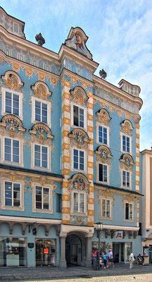 Barocke Fassade eines Bürgerhauses in Steyr