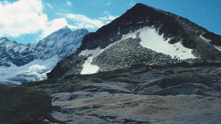 Der Medelzkopf, eine 2761 m hohe Blockpyramide, von der Bergstation des Medelzkopflifts
