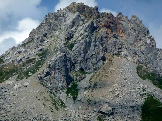 Kleiner, von der Roten Wand abgesetzter Nebengipfe mit rötlichem Fels