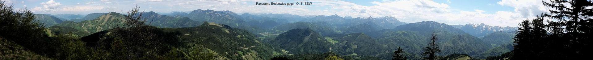 Panorama vom Gipfelkamm der Bodenwies ca. 180 Grad mit Ennstaler Alpen, Gesäuse und Haller Mauern
