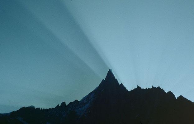 Aiguille Verte vom Weg Montenvers zum Klettersteig Les Echelles