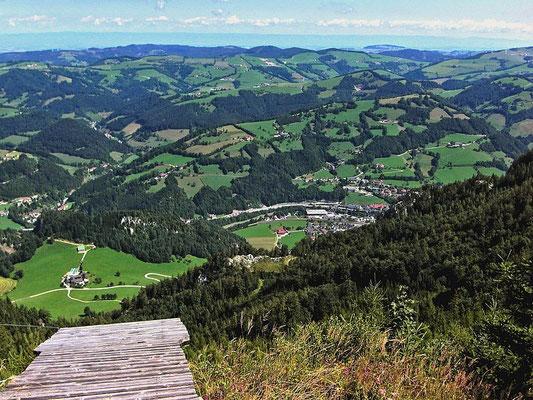 Das Ennstal zwischen Ternberg und Losenstein mit dem Gebiet bei Laussa und den Windpark auf dem Plattenberg