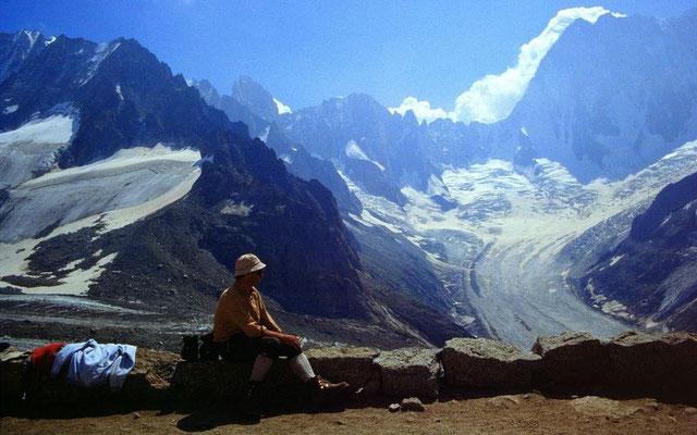Grand Jorasses und Leschauxgletscher von der Terrasse der Couverclehütte