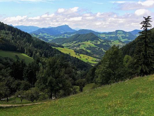 Ausblick vom Weg zur  Lindaumauer - im Hintergrund Schieferstein