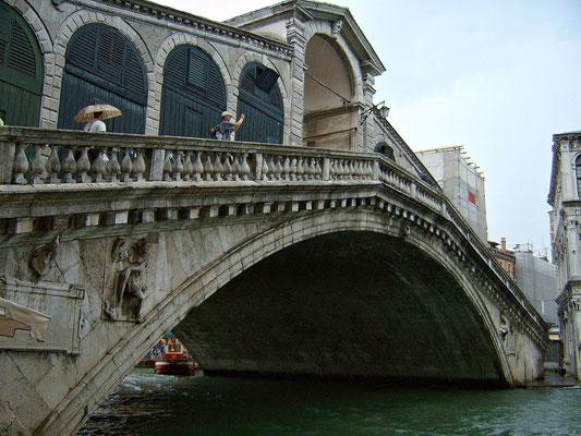 Rialtobrücke über dem Canale Grande