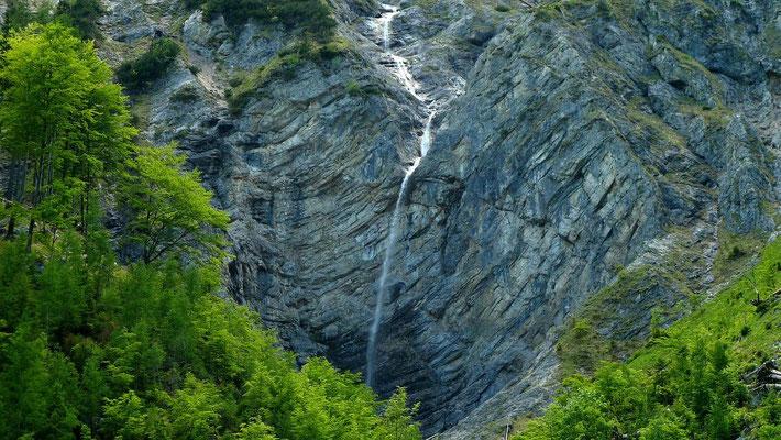 Wasserfälle gegenüber der Blumenauer Alm