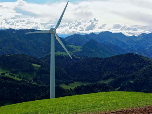 Windpark Laussa. Hinten Nationapark Region bei Losenstein-Ternberg