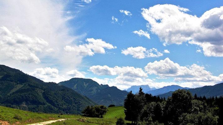 Wolkenstimmung am Krotenberg. Hinten Gr. Brunnstien im Gesäuse