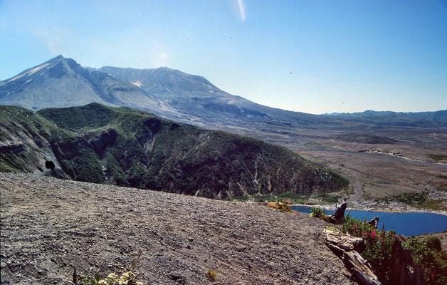 Mt. Saint Helens mit Krater und Oberflow-Gebiet