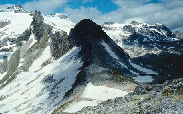 Der Kalser Tauern (Paßübergang ins Dorfertal nach Kals). Links oben Granatspitze und Stubacher Sonnblick