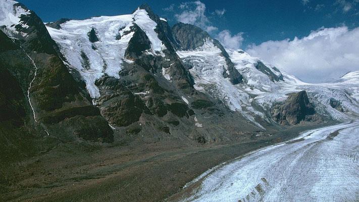 Fast 1500 Höhenmeter erhebt sich der Großglockner über der Pasterze