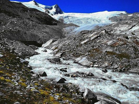 Gschlößbach und Gletschertor des Schlatenkeeses