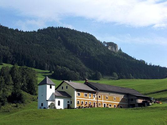 Bredboding Hof mit angebauter Kapelle und Lindaumauer