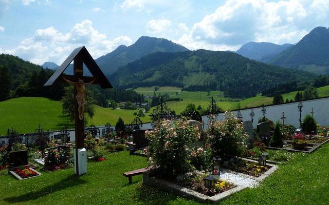 Friedhof der Wallfahrtskirche Frauenstein in der Nationalpark Kalkalpen Region Molln