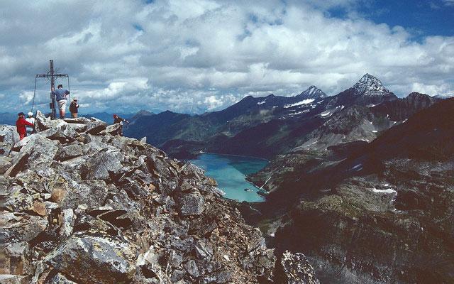 Am Gipfel des Medelzkopfs 2761 m