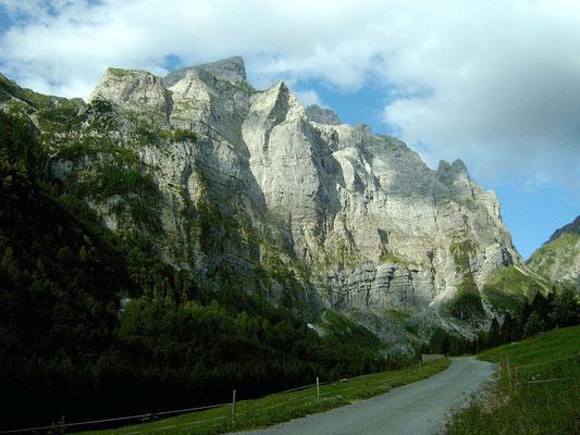 Valentintal. Güterweg zur Oberen Valentinalm