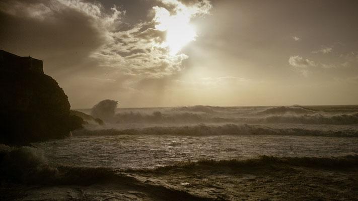 Die unglaublich tollen Wellen von Nazare