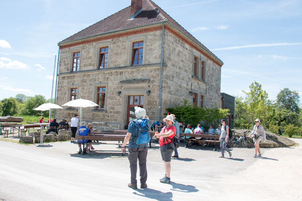 Schulgebäude im Dorf Gruorn /Foto: B. Budig