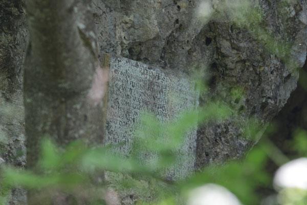 Gedenkstein Rabenfelsen Foto: E. Maier-Drös