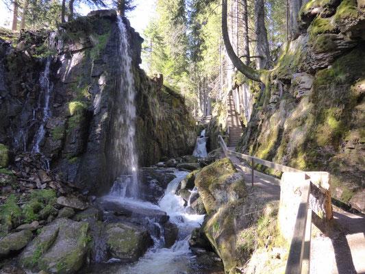Wasserfall und Albschlucht Copyright Hartmut Hermanns