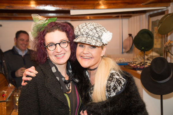 Christine Rohr - Master Milliner & La Bionda Anita Priebernig, Foto: Georg Weinseiss