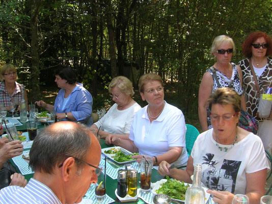 Mittagspause am Schloss