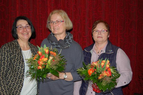 Eine Besondere Auszeichnung des NLV für Helga Silber (Mitte) und Heike Mehrtens im Landfrauenverein Beverstedt.