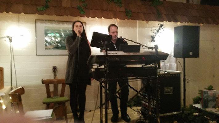 Musiker Uwe Lilkendey und Tochter Ayleen mit wunderbarer Stimme