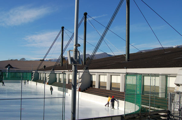 Ausseneisfeld und Eishalle