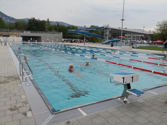 50 m Freibad im Winter Hallenbad 50 m Schweiz