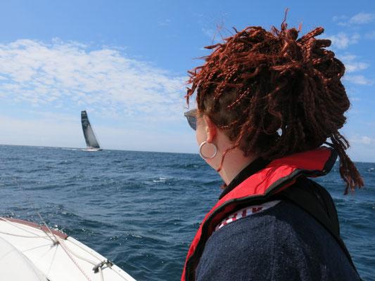 Schon am 2. Tag kreuzen wir einen Vendée Globe Segler