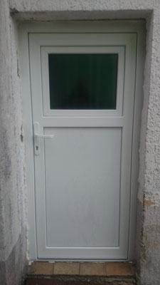 Nebeneingangstür mit Dreh-Kipp-Fenster, Kunststoff weiß, 5-fach Verriegelung