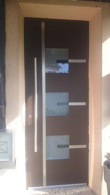 Nachher: Aluminium Haustür mit 3-fach Verglasung
