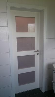 Zimmertür mit Milchglas