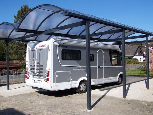 Wohnmobilcarport aus Aluminium als Doppelcarport