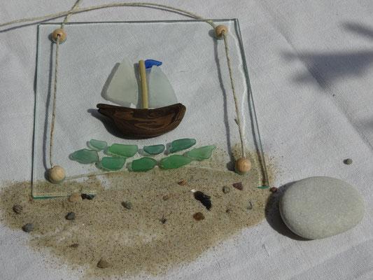 Glasbild mit Holz und Glas: 15x15 cm,  20 €